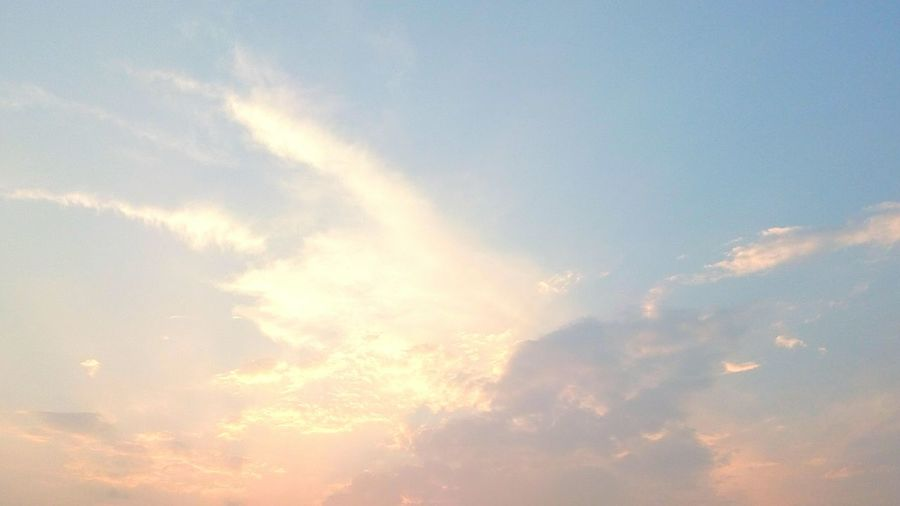 Sky Clouds Clouds And Sky Purecolor Pure Colors Pure Color Lightblue Light Blue Lightpink Light Pink Light Yellow