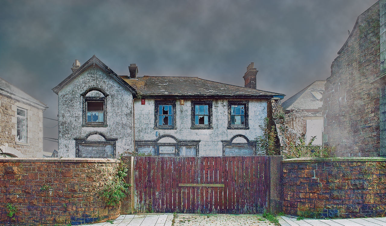 architecture, building exterior, built structure, cloud - sky, house, sky, window, outdoors, day, no people, residential building, abandoned, nature