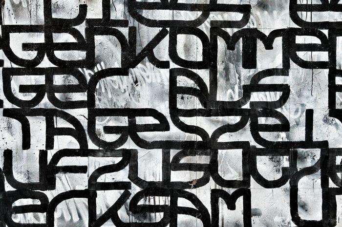 Black on white ⚫⚪ Blackandwhite B&w Black And White Black And White Photography Street Wall Walls Font Fonts Scrittesuimuri Graffiti Graffitiart Urban Innsbruck Austria Austrian Tirol  City Cityscapes Urbanphotography Paint Showcase March Grunge GrungeStyle Urbanexploration