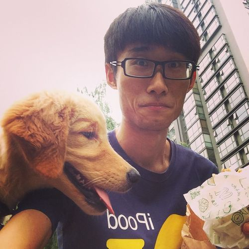 Dog that wanna steal ur buger! Fun Dog Food