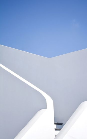 Less is more The Week on EyeEm Santorini, Greece Santorini Architectural Column EyeEmBestPics Eye4photography  EyeEm Selects Eye4photography  The Architect - 2018 EyeEm Awards Architecturelovers Architecture_collection Architecture Blue White Color Sky Day No People Clear Sky Nature Architecture Copy Space Whitewashed High Angle View Simplicity Outdoors Built Structure The Architect - 2018 EyeEm Awards