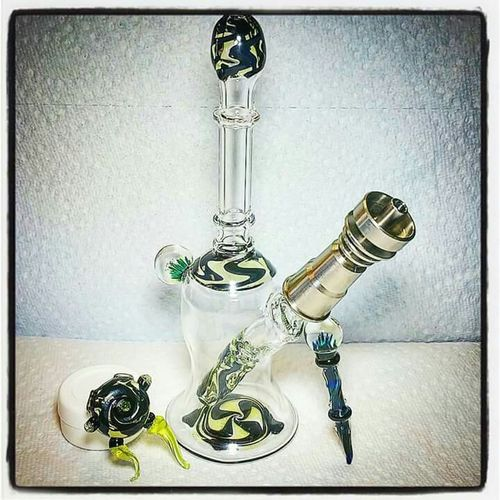 Hanging Out Check This Out Taking Photos Hello World Relaxing Cheese! Glass Art Headyglass Glasslove Oilrigs Jacksonville