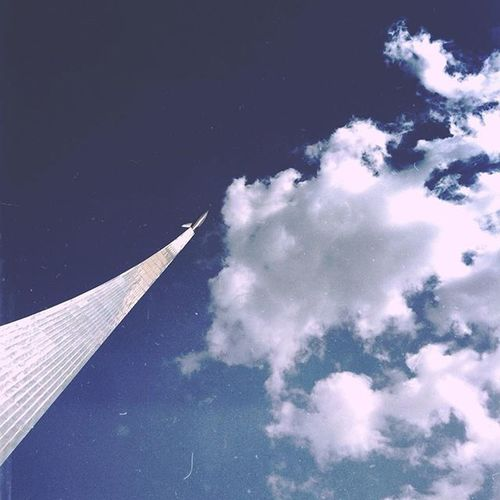 Еще до старта далеко. Mextures Mextures_sky Sky Clouds Architecture WOW Space Moscow Moment Msk Russia МояМосква Москва облака фанатоблаков небо Like Instagram Instanature ВДНХ