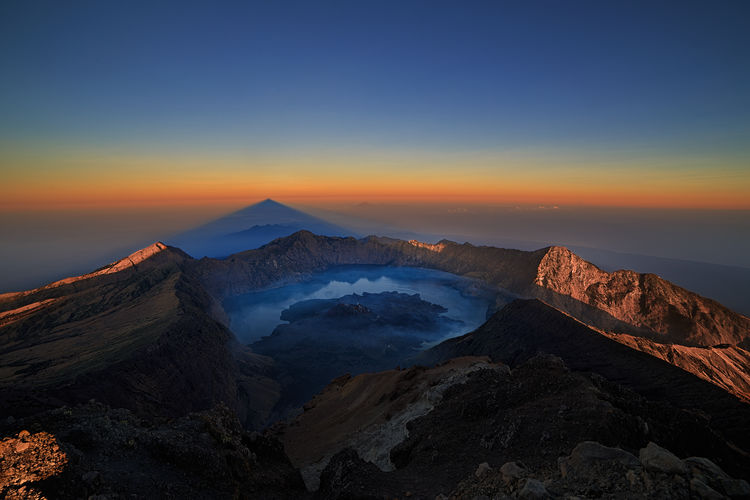 Scenic view of volcano in  rinjani national park in indonesia