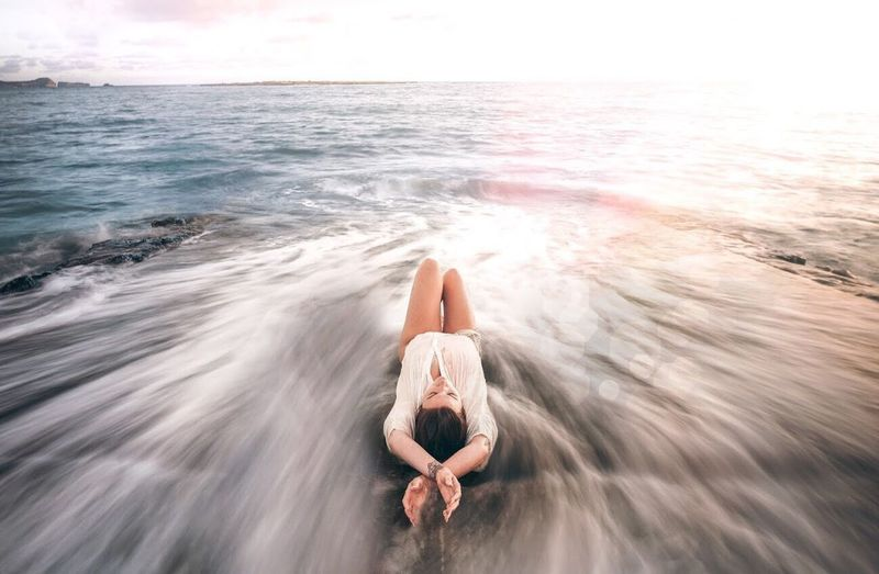 Make sure you have friends willing to wake up before the sun ☀️ oOne PersonwWaterbBeachfFull LengthhHorizon Over WatertTranquilitynNaturetTranquil SceneoOne Woman OnlysSunlightsSittingoOnly WomenbBeauty In NatureoOutdoorswWomenrRelaxationpPeopleaAdultsSky Been There. Done That. The Week On EyeEm