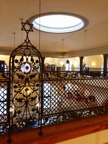 Synagoge 🕍 Wroclaw Poland Polish Religious Architecture Round Window Yello Light Architecture Ceiling Window Iron Balustrade Balustrade David Star Jewish Culture Jewish Jew Synagoge Synagogue Lighting Equipment Illuminated Built Structure Close-up