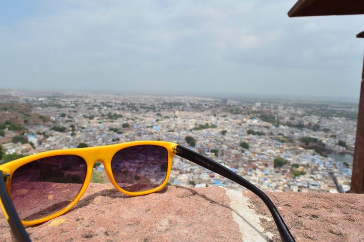 I see you Fort Sunglasses Cityscape Eyeglasses  Building Exterior Sky City An Eye For Travel Architecture Day Built Structure Outdoors Eyewear