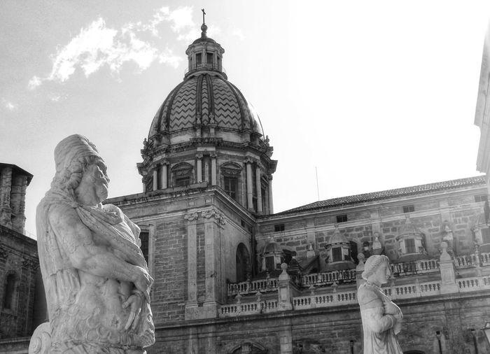 Piazza Pretoria, Palermo Palermo, Italy Black And White Built Structure Architecture Building Exterior Sky Statue Sculpture Representation