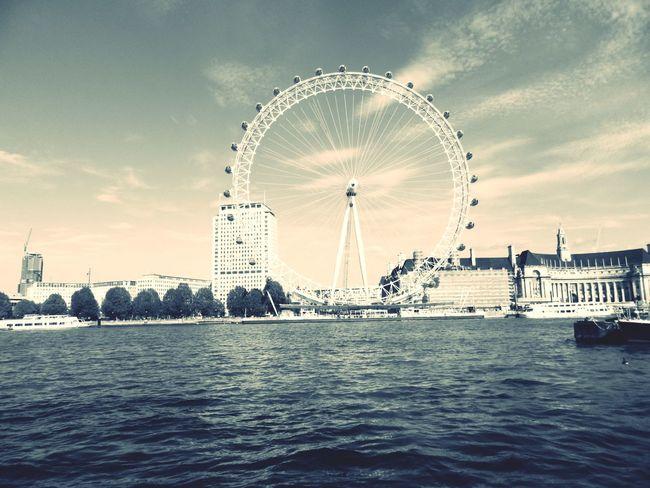 Enjoying Life Taking Photos London Travelling Photooftheday Thelondoneye Westminster