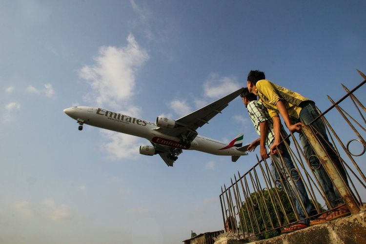 Flight ✈ Emiratesairline Children Freedom Sky