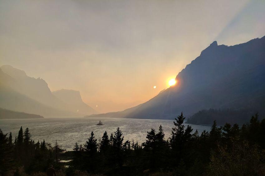 Mountain Sunset Landscape Beauty In Nature Nature Outdoors Mountain Peak Cloud - Sky Scenics Lake Smoke Smoky Sunset