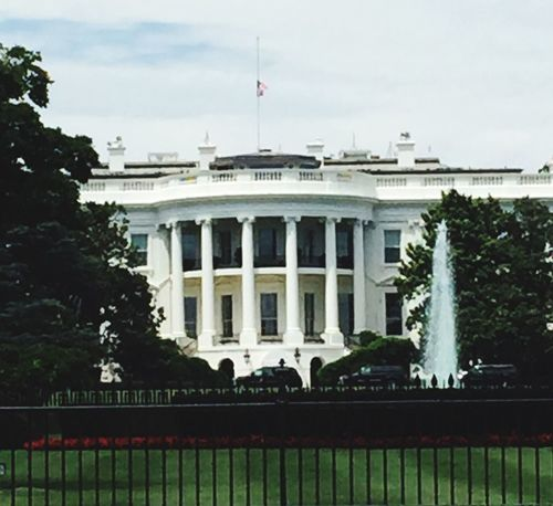 The White House US Capital Washington, D. C. Vacation Time Flag At Half-staff