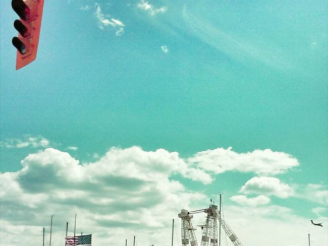 Sky And Clouds Flags Plane Things I Like Star Spangled Banner Landing Traffic Lights Cranes Port Area Up Close Street Photography The Street Photographer - 2016 EyeEm Awards Colour Of Life Color Palette Minimalist Architecture