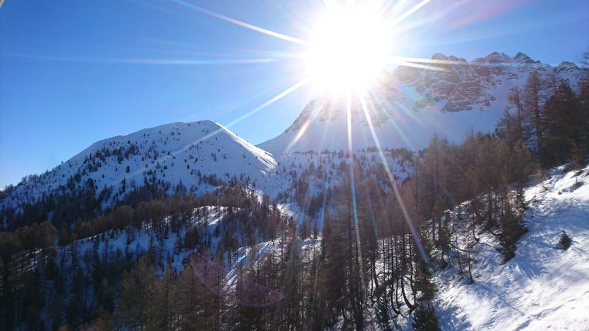 Vars Ski Skiing Ski Holiday Mountains Mountain View Mountainlove Bluesky High No People Snow Beauty In Nature Sunlight Nature Sky Day Cold Temperature Outdoors Scenics Tree Peace And Quiet Beautiful Landscape Sun Noclouds