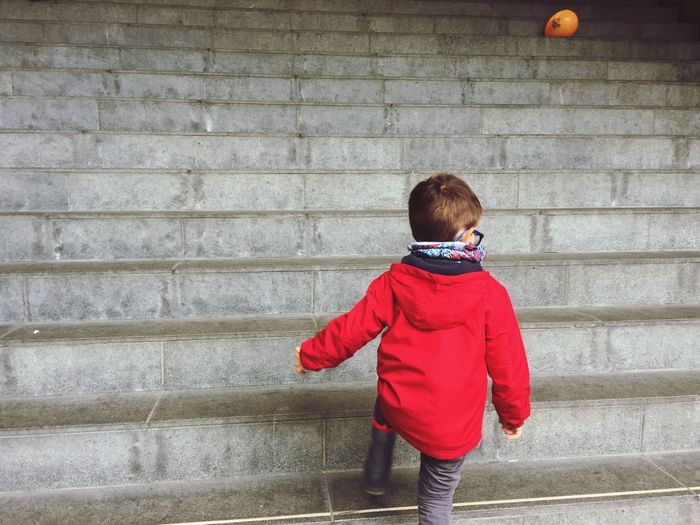 Childhood Boys One Person Steps Staircase Red Real People Full Length Child Day Outdoors One Boy Only Warm Clothing People Balloon