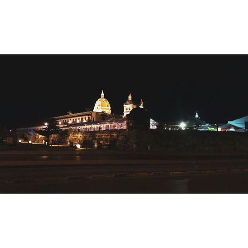 Cityscape City Clear Sky Illuminated Statue Sculpture Architecture Building Exterior Sky Built Structure Historic Place Of Worship Dome Mosque Christmas Market Spirituality Temple - Building Pew Temple Steeple Religion Palace Cathedral Catholicism Church Christianity
