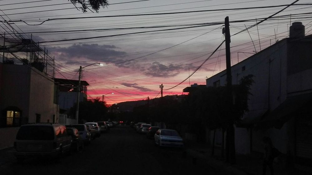 Horizonte 🌄 Self Perspective Walker City Sunset Cable