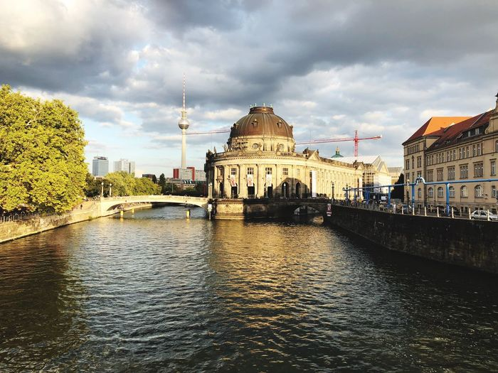 Berlin Photography eyeemphoto EyeEm Museum Berlin Mitte Berlin Building Exterior Architecture Built Structure Sky Cloud - Sky City Water Building Nature No People Outdoors River Waterfront Travel Destinations