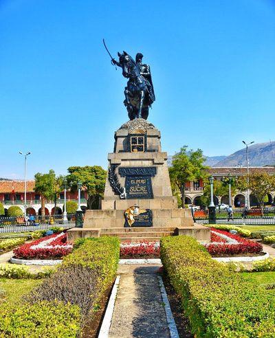 El Perú a Sucre Ayacucho  Peru Monument Tourism Tourist Attraction  Tourist Destination South America Huamanga Sculpture First Eyeem Photo