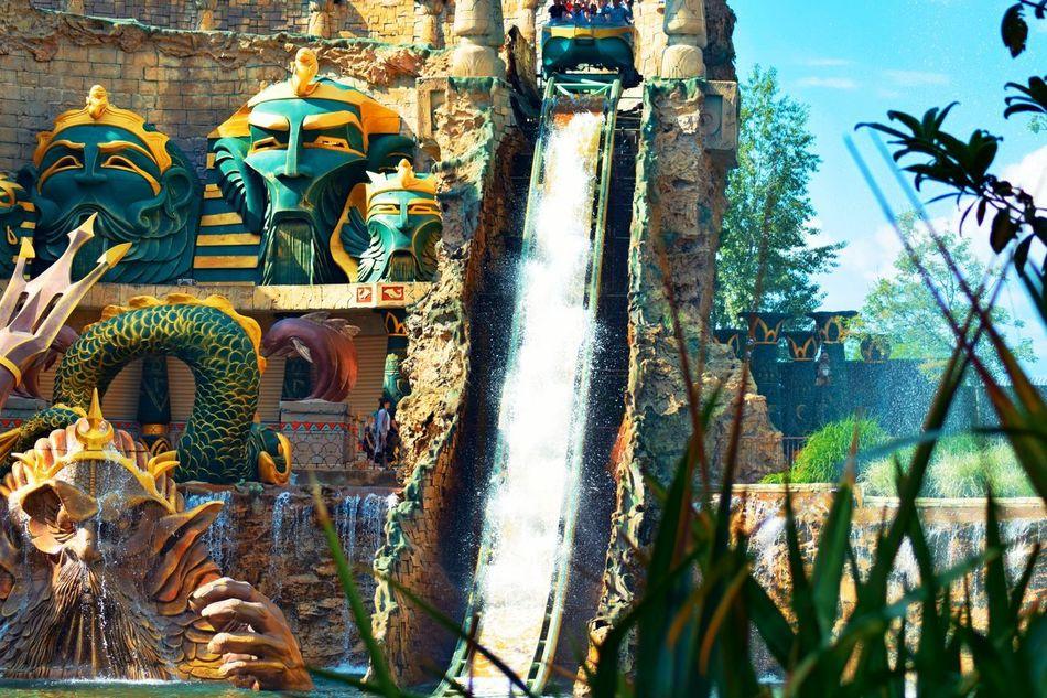 gardaland Gardalandparkfanpage Lazisedelgarda Gardaland Gardalandpark Statue Sculpture Place Of Worship Spirituality Sky