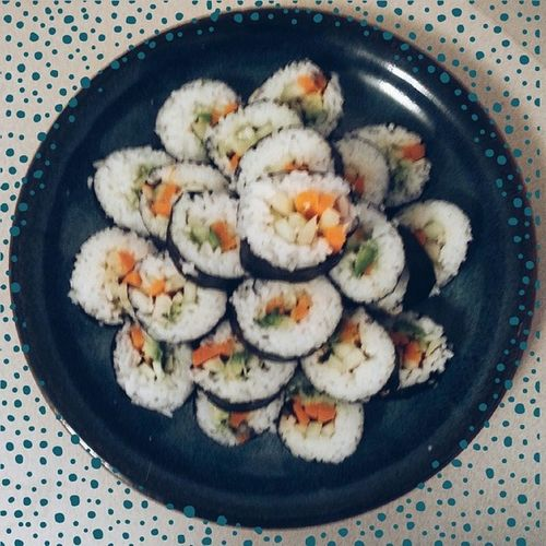 Lunch! It's a cloudy day here and I wanted to be outside in the sun on my day off but instead I am stuck indoors. So I have decided to make the most of it. So far I've made ice coffee, french toast, dyed my hair and now made sushi. I filled my sushi with carrot, cucumber, avacado, parsnip and sesame seeds. I also made three dipping sauces which I will post next. Whatveganseat Vegansofig Vegansofinstagram Sushi vegansushi vegan veganism lunch yum dayoff cucumber carrot parsnip avocado omnomnom veganfoodshare veganfoodporn foodporn japanesefood