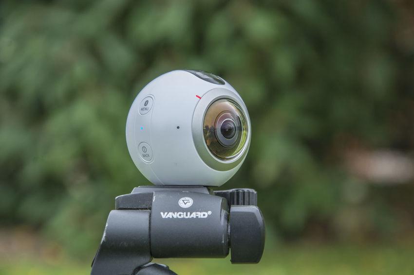 Samsung Gear 360 camera on a tripod 360 360 View Camera Fun Samsun Samsung Gear Samsung Gear 360 Technology