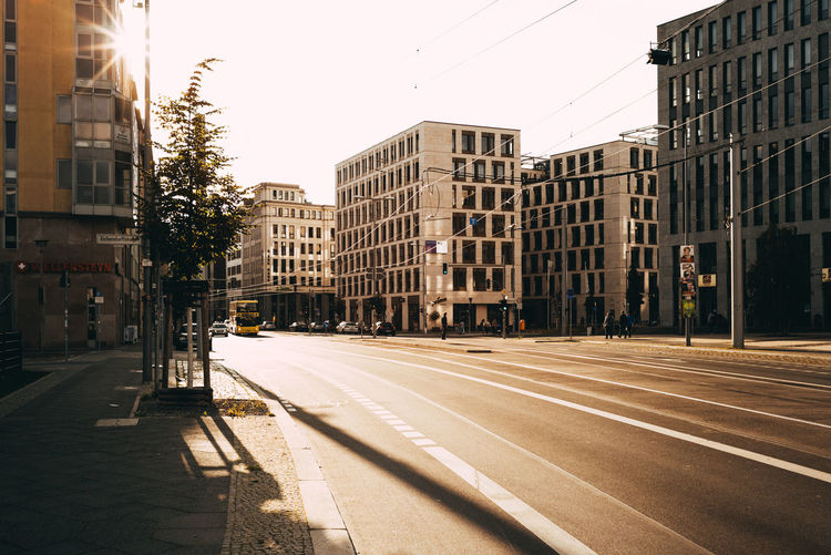 Sunlighing at Berlin MItte streets Berlin Love Daytime Road Sunlight Urban Lifestyle Urban Geometry Architecture Berliner Ansichten Building Building Exterior Built Structure City Day Day Dreaming Daylight Lighting No People Road Sky Street Street Photography Streetphotography Urban Urban Skyline Urbanstyle Discover Berlin