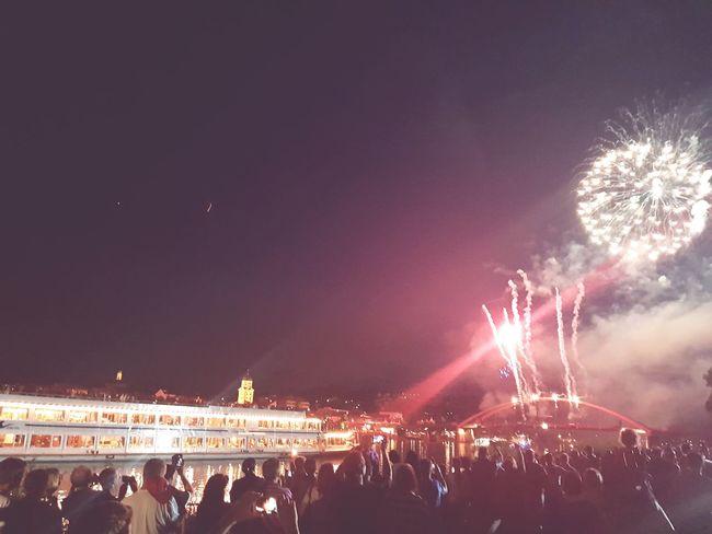 Feuer Und Flamme Feuerwerk Feuerundflamme Night Germany🇩🇪 Celebration Dunau