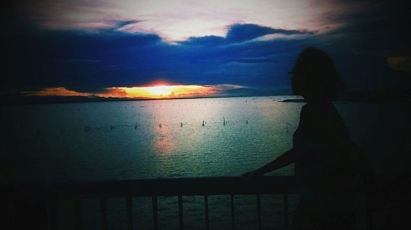 Sunset Alone... Hanging Out I Feel Free! Background Beauty Redefined