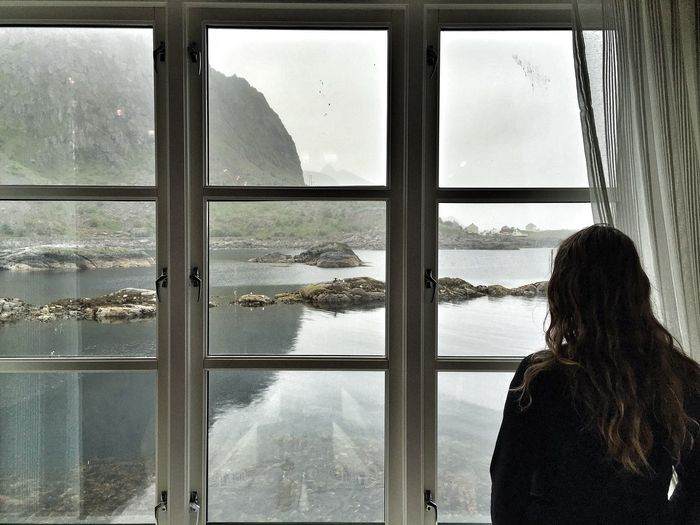 Lofoten Islands Norway Noruega Window Backlight Women Who Inspire You People Of The Oceans Lost In The Landscape