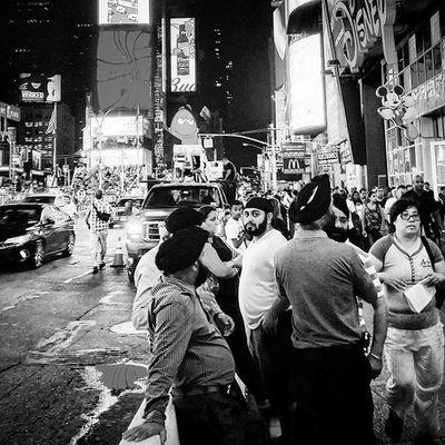 NYC. Streetart Streetphotography NYC Photography Streetphotography_bw Blackandwhite Blackandwhitephotographyonly B Coolcapture Gettyimagesinstagramgrant Gettyimages Getfollowers H Johnnylopezthephotographer Lnlphotofarmphotography Likesforlikes Instajohnny I Winnerwinner Electricforest Kimkardashian Lnlphotofarm .smugmug.com @newyork_instagram Newyork_instagram