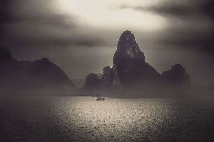 https://youtu.be/5CXQbZbX_3Q Water Sky Sea Nature Scenics - Nature Tranquility HUAWEI Photo Award: After Dark Cloud - Sky Beauty In Nature Tranquil Scene Rock - Object Idyllic My Best Travel Photo