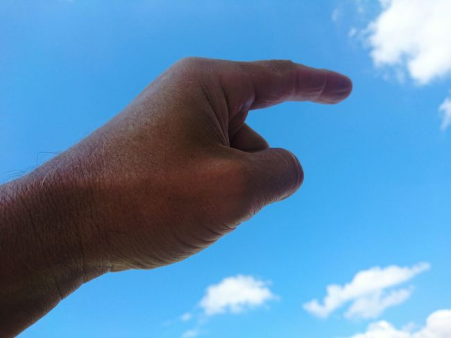Human Body Part Human Hand Blue Sky Cloud - Sky Low Angle View Outdoors Finger Look HJB Mobil