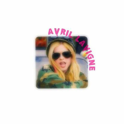 好きです。AvrilLavigne💓病気はやく直してライブ初参戦させてください!Please become fine fast.☺知らないこと多いけど最高です。応援してます! Avril Lavigne Love Artist 洋楽 好き