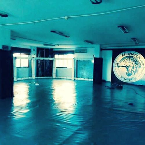 New mats and vinyl at Makhai MMA Academy. MMA Bjj Submissionwrestling CHECHEN shishanisubmissionsystems grappling makhaimmaacademy