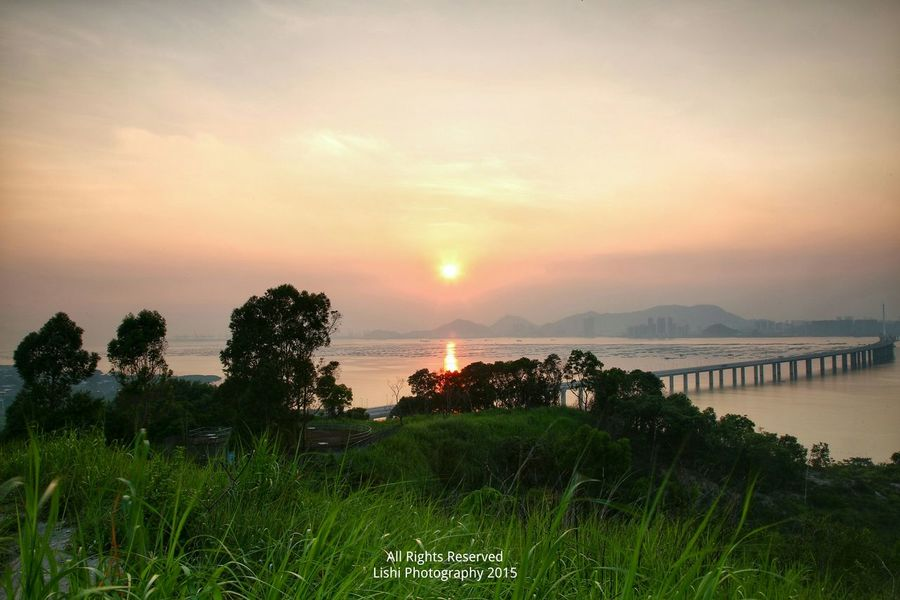 少女之戀人 SUNSET Landscapelovers Landscape_photography Sunset And Clouds  Winds &clouds EyeEm Best Shots - Landscape Sunset Sea And Bridge Pardise Sunsets Sunrays&shimmering Water