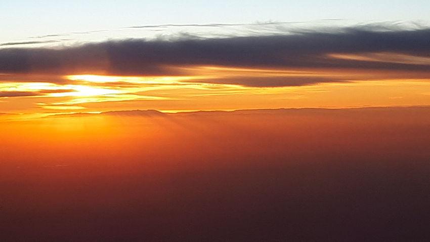 Sunset Cloud - Sky Beauty In Nature Sky Sunlight Day