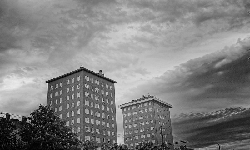 Vitoria / Gasteiz Enjoying Life Hello World Hablamesinpalabras My Hobby Blackandwhite Edificios Edificios Y Fachadas Sky