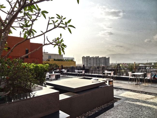 HDR Effect Roof Top Hanging Out Building And Sky Sunny☀