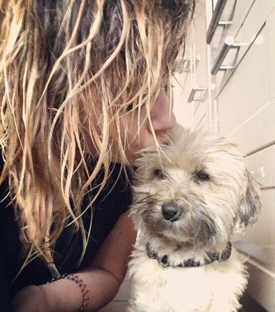 Du bist mein Glück 🍀 groß wie ein Planet 🌎- du bist die Sonne ☀️ die niemals untergeht! Pets One Animal Dog Animal Themes Wet Walking With My Dog EyeEm Animal Lover Animal Love Togetherness Blonde Ilovemydog