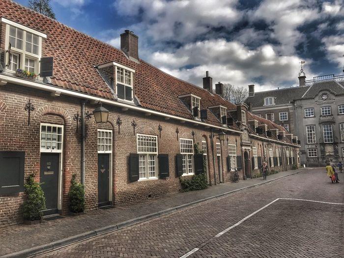 Old Buildings Streetphotography Dutch House Cobblestone Streets Langenieuwstraat Utrecht , Netherlands Sky Sky And Clouds Peoplestreet