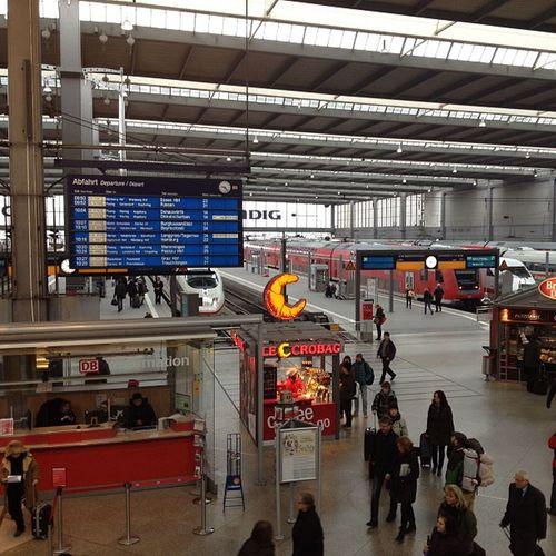 Munich train station Whereschesa