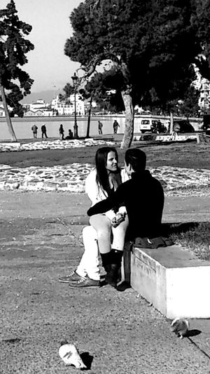Hanging Out Blackandwhite Mobile Love
