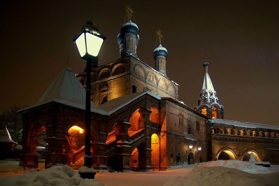 Крутицкое подворье зима❄️ город храм ночная тема ночная съемка Night Illuminated Architecture Façade Travel Destinations History City