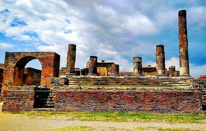 Pompei Sculpture Art Archeological Complex Architectural Column Archeology Romans Romanstatue Romanstyle Vesuvio Forum Romanum Arts Culture And Entertainment Taking Photos Hanging Out Check This Out