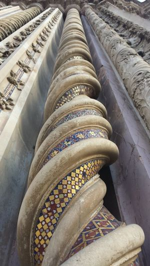 Samsung S4 Built Structure Churches Columns And Pillars Famous Place Gothic Architecture Gothic Beauty  Low Angle View Nofilter#noedit Orvieto, Italy Urbangeometry