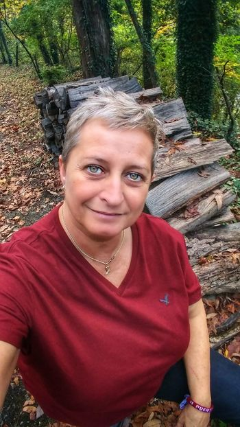 Portrait Looking At Camera One Person Only Women One Woman Only Day Outdoors Smiling Real People Adult Adults Only People Tree Nature Young Adult Close-up Autumn Hiking Photography Kentuckywanderer Kentucky Woods Kentuckynative Lgbtqi