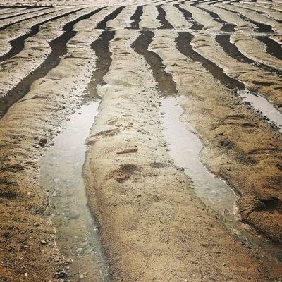 Sand streaks