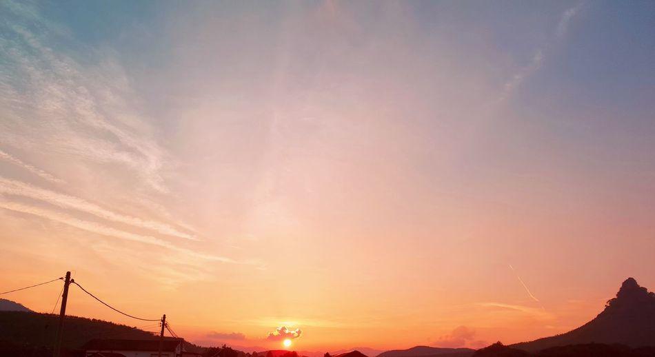 beautiful sunset Malaysia Miyefootprints Perak SungaiSiput Sungai Buloh Sunset Dusk Dramatic Sky Sky Cloud - Sky Romantic Sky Sky Only Moody Sky Sun Shining