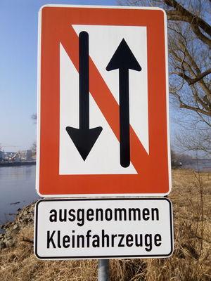 Forbidden Warning Sign Road Sign Traffic Verkehrszeichen Verkehrsschild Schild Communication Guidance No People Outdoors